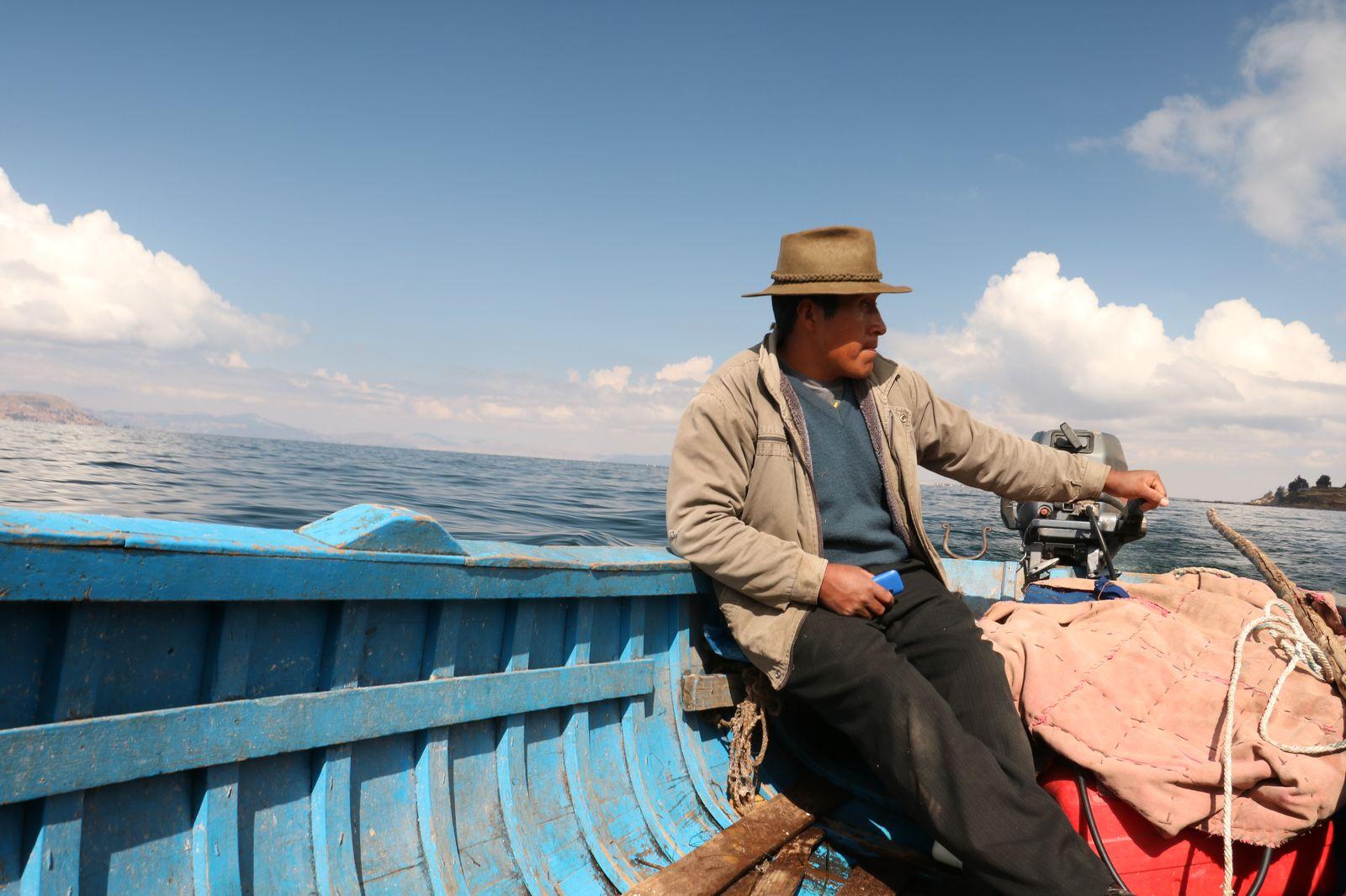 le lac titicaca un lac deux pays c 39 est arriv loin de chez nous. Black Bedroom Furniture Sets. Home Design Ideas